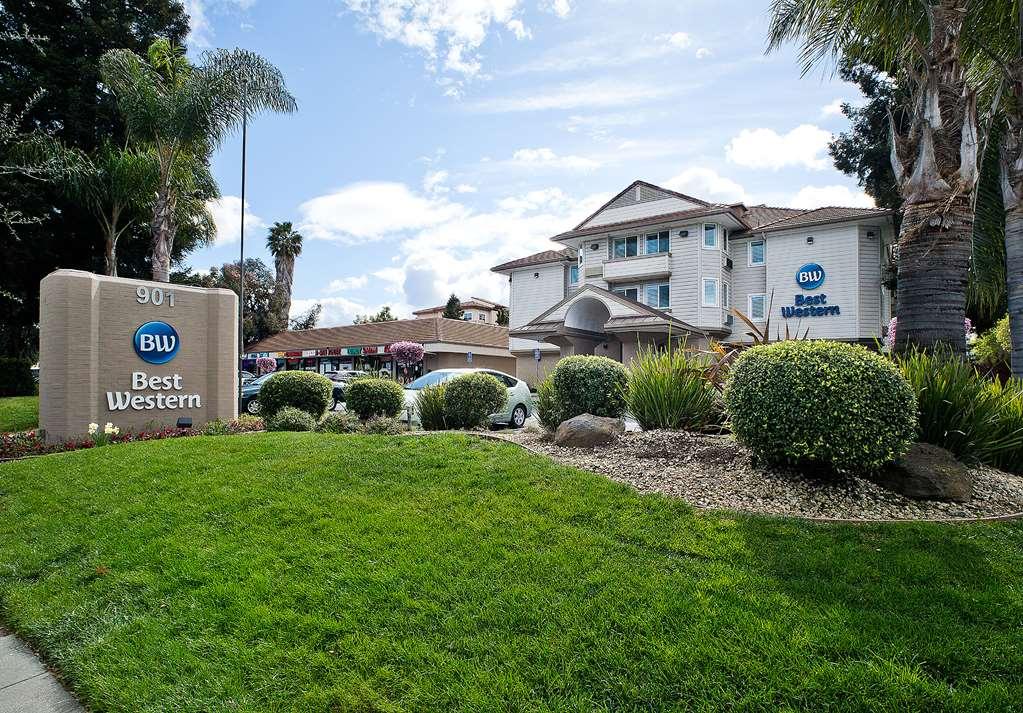 Best Western Crestview Hotel & Suites