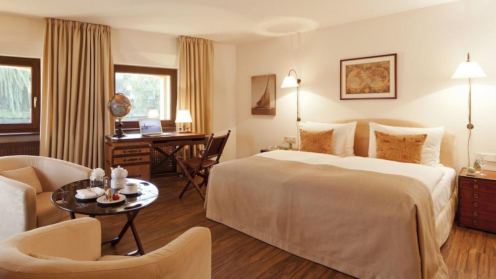 Abion Villa Suites