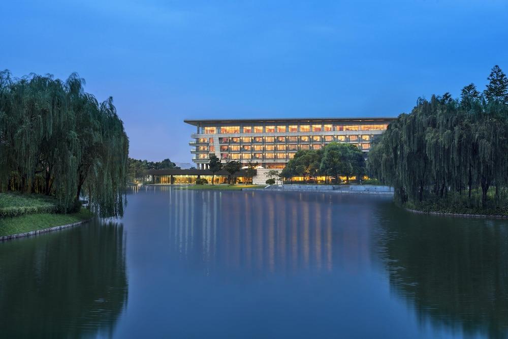 The Yuluxe Sheshan Shanghai A Tribute Portfolio Hotel
