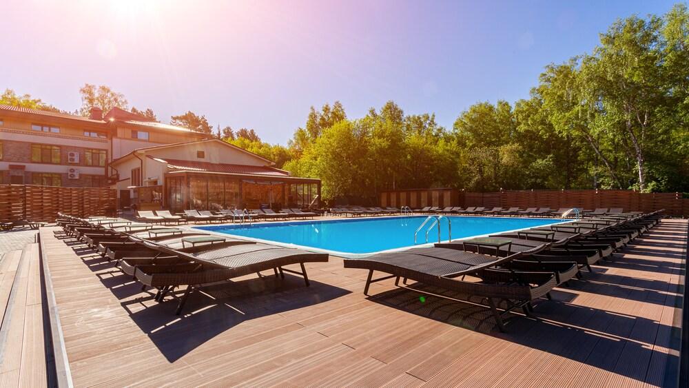 Gallery image of Sosnovy Bor Park Hotel