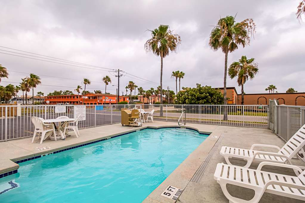 Gallery image of Motel 6 South Padre Island TX