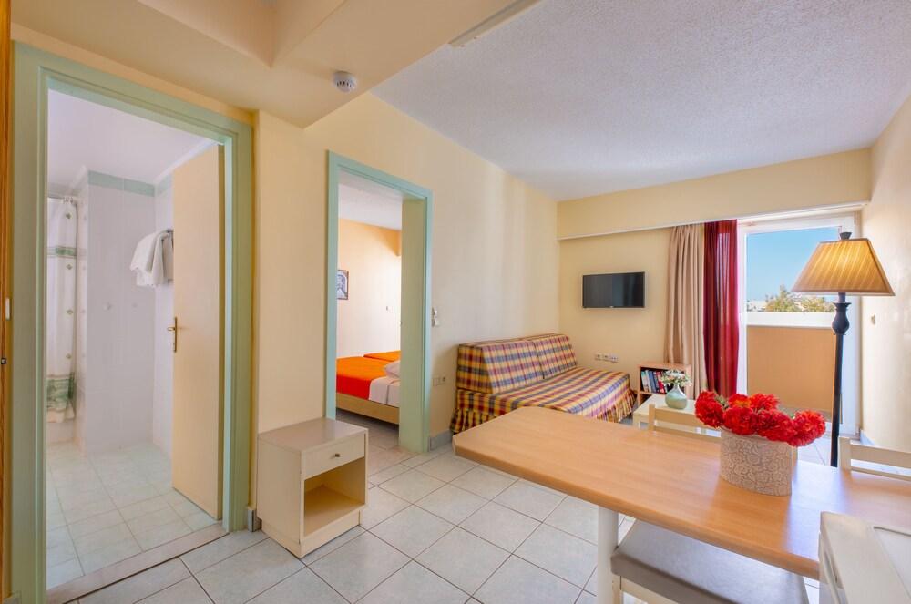Gallery image of Pavlos Hotel