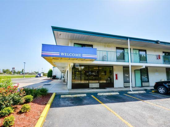 Motel 6 Huntsville Madison