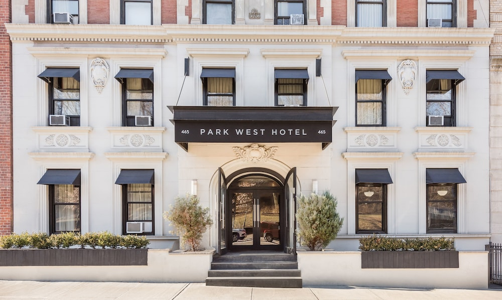 Gallery image of Park West Hotel