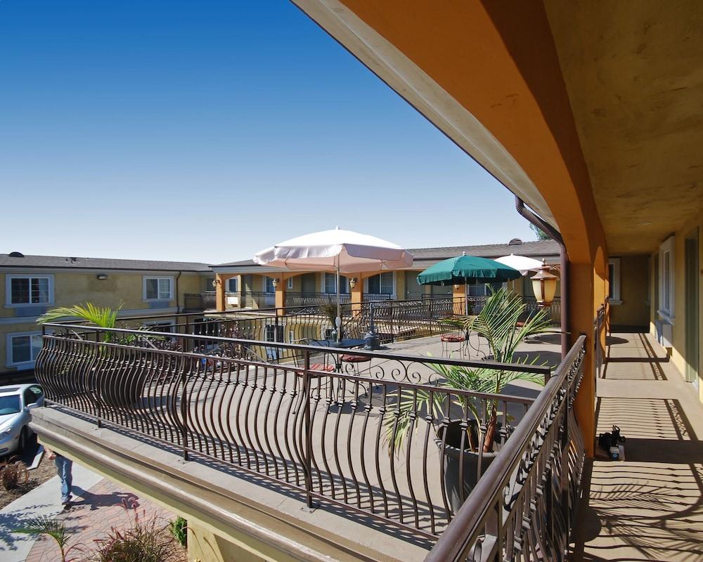 Gallery image of Rodeway Inn Near L.A. Live