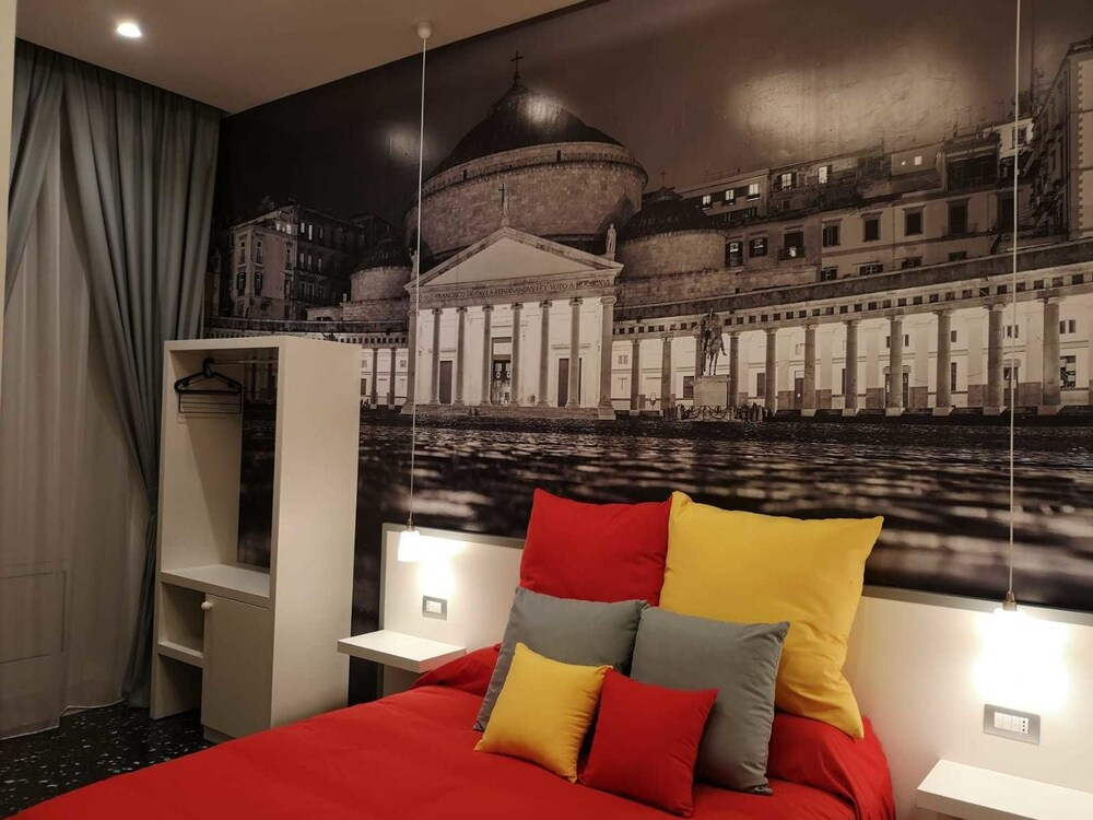 Beverello Rooms