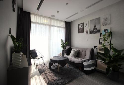 Vinhome Central Park Luxury Smart Apartment