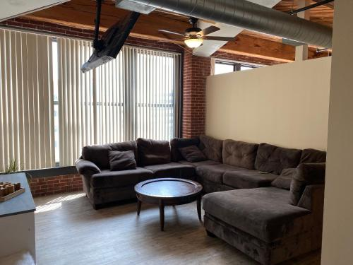 Downtown Wash Ave Luxury Loft with City View 4L