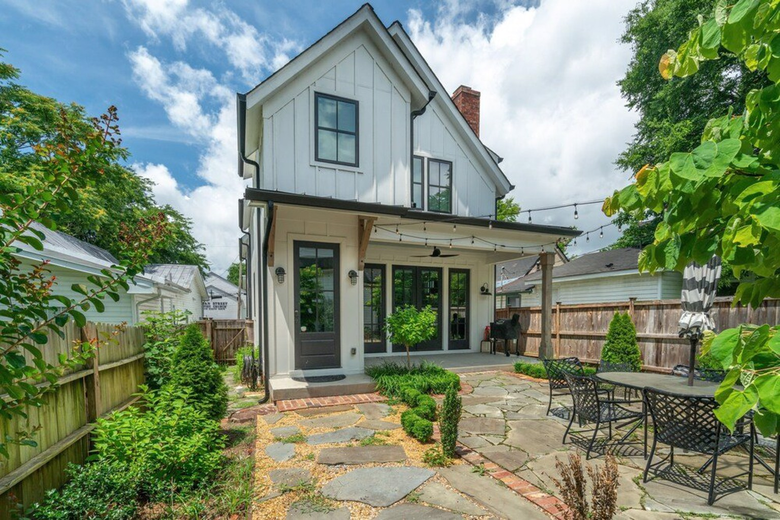 Chic Germantown Home 4 Bedrooms 3.5 Bathrooms Home