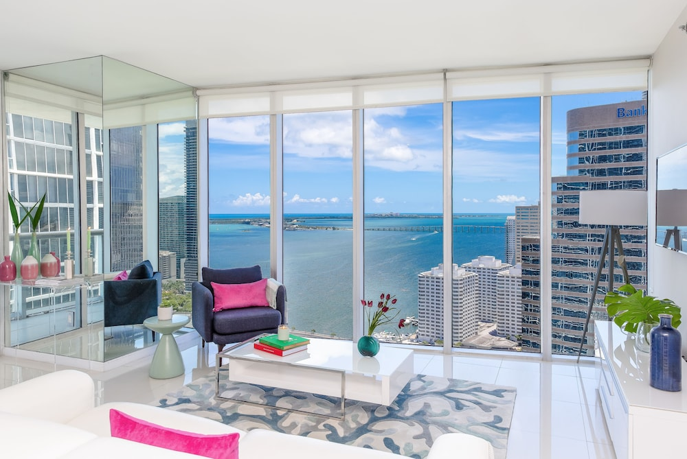 Cesar Suites at Icon Brickell Miami