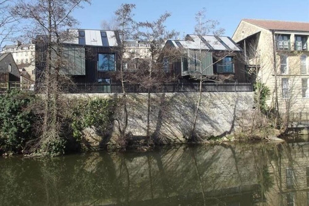 Modern 3 bed riverside home in Bath