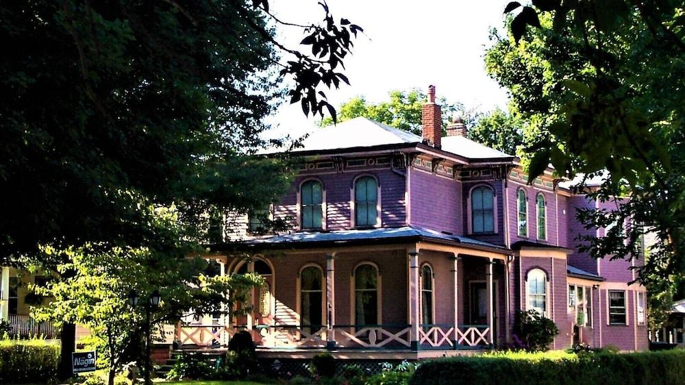 Doubleday House