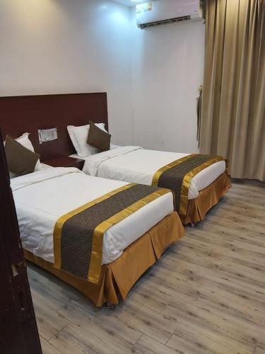 Grass Hotel