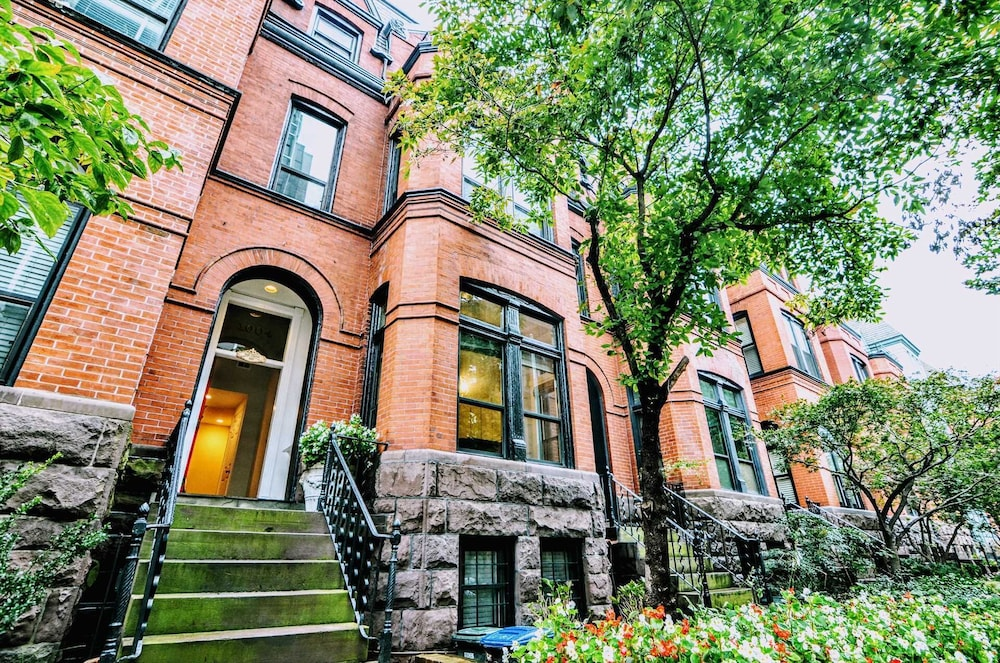 Massive Foggy Bottom Georgetown Vacation 3 Bedroom Townhouse