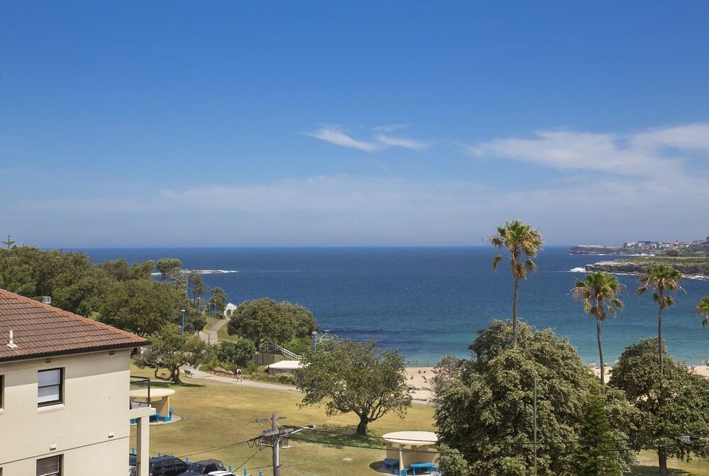 Ocean view oasis