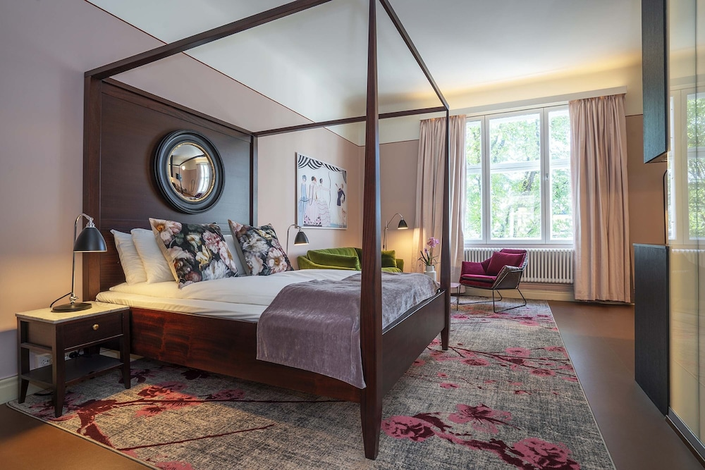 First Hotel & Suites Oslo West