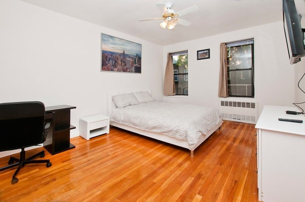Renovated 2 Br On Upper East Side 2 Bedroom Apts