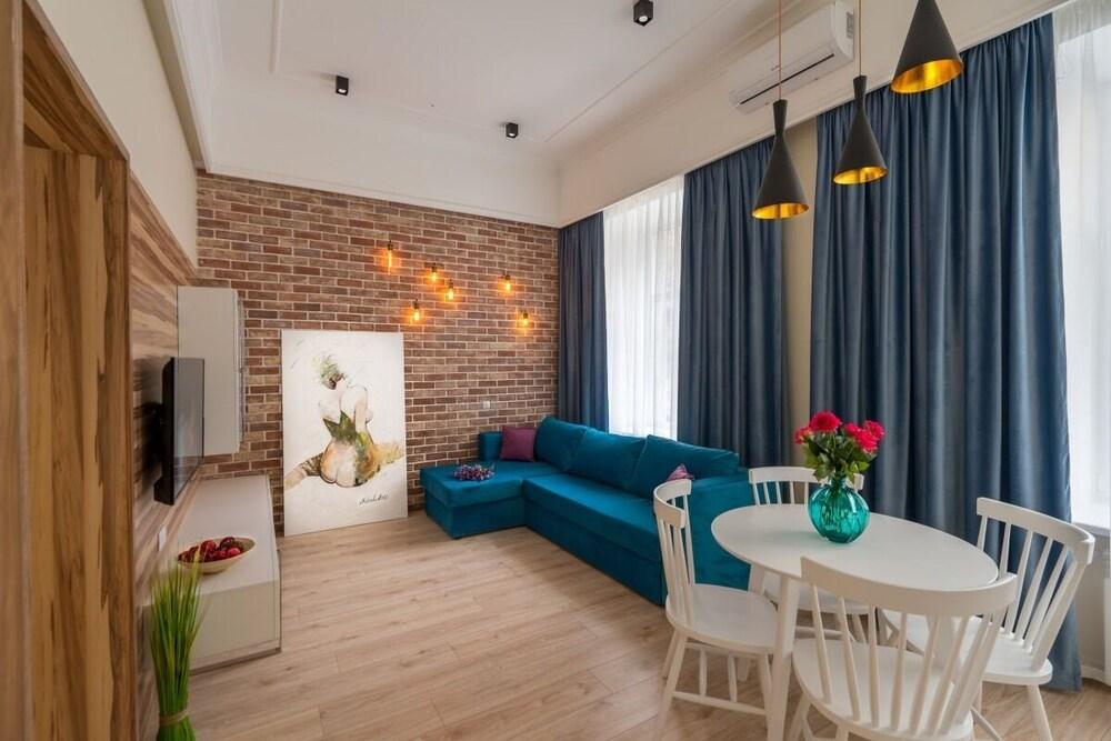 Sofievskaya Apartments