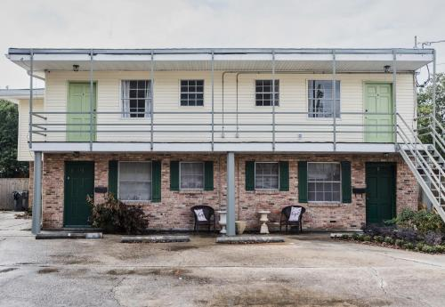 Exquisite Bywater Suites by Sonder