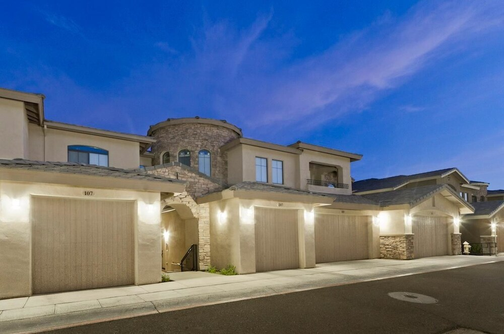 Desert Foothills By Signature Vacation Rentals