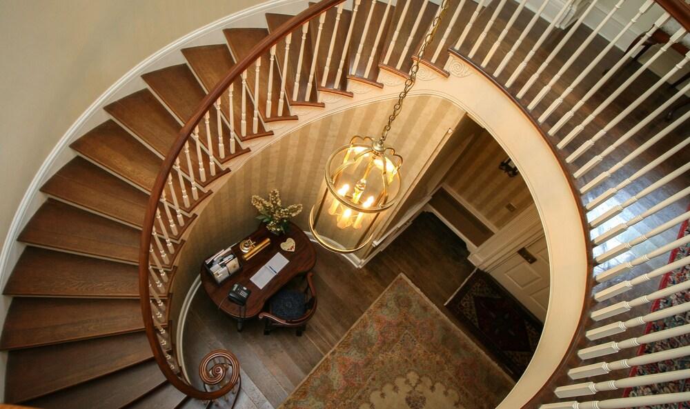 Gallery image of Great Oak Manor