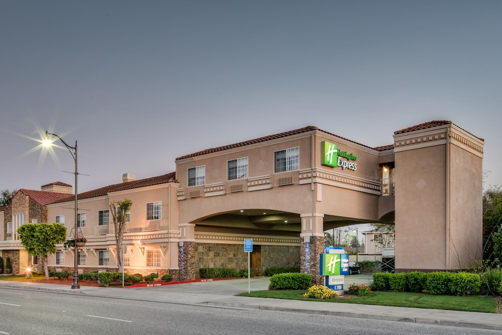 Holiday Inn Express Hotel & Suites Santa Clara