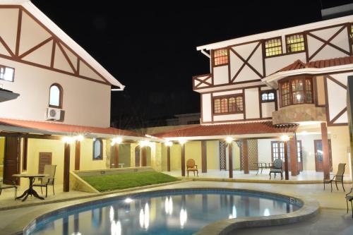 Hotel By ArmonÍa Santa Cruz