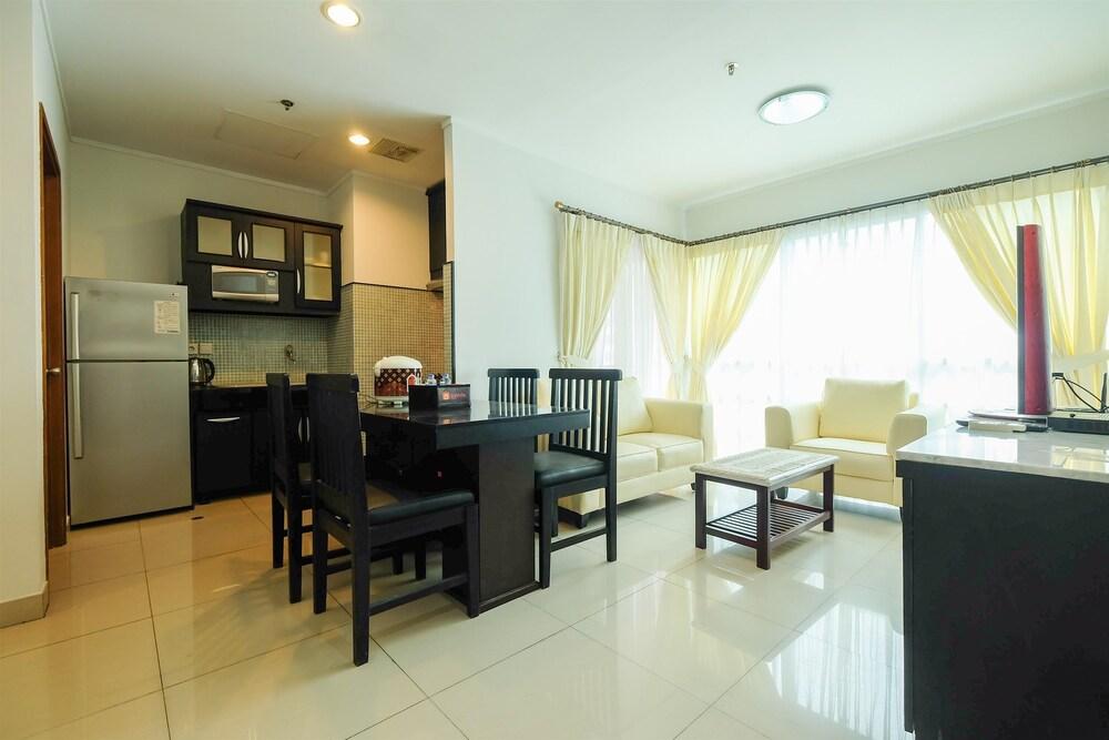 Exclusive Apartment @ Sahid Sudirman Residence near Shopping Mall