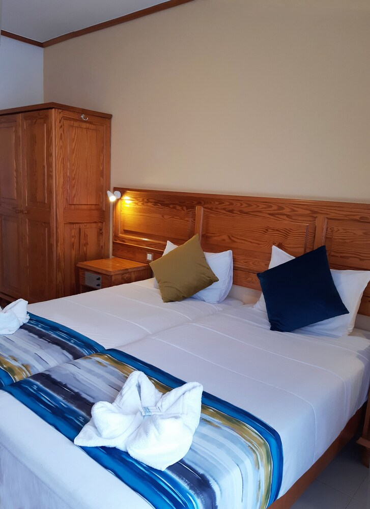 Gallery image of Gillieru Harbour Hotel