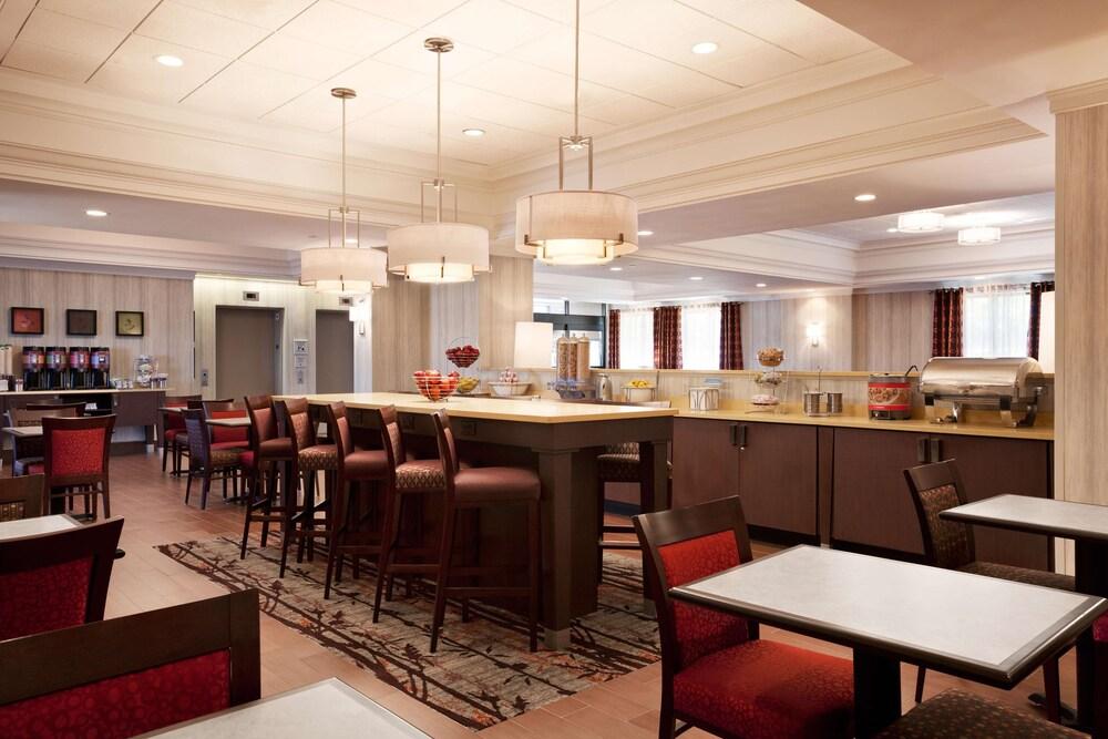 Gallery image of Hampton Inn by Hilton Boston Cambridge