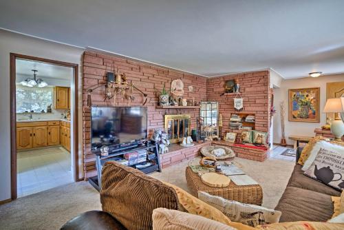 South Denver Lake Home w Large Yard & Hammock
