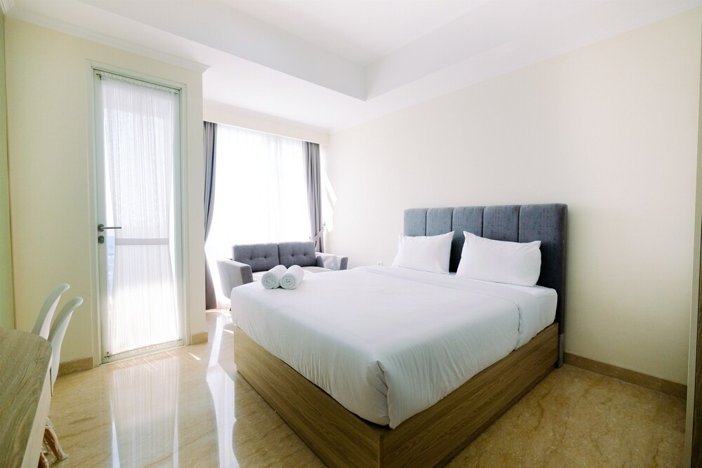 Nice Studio Menteng Park Apartment By Travelio