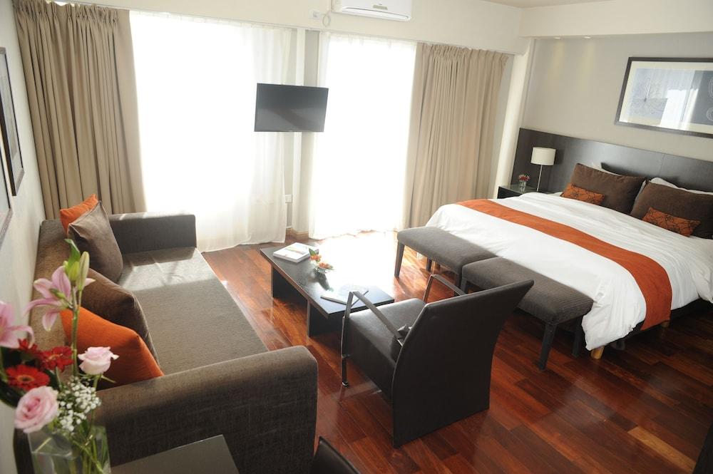 Urban Suites Recoleta Boutique Hotel