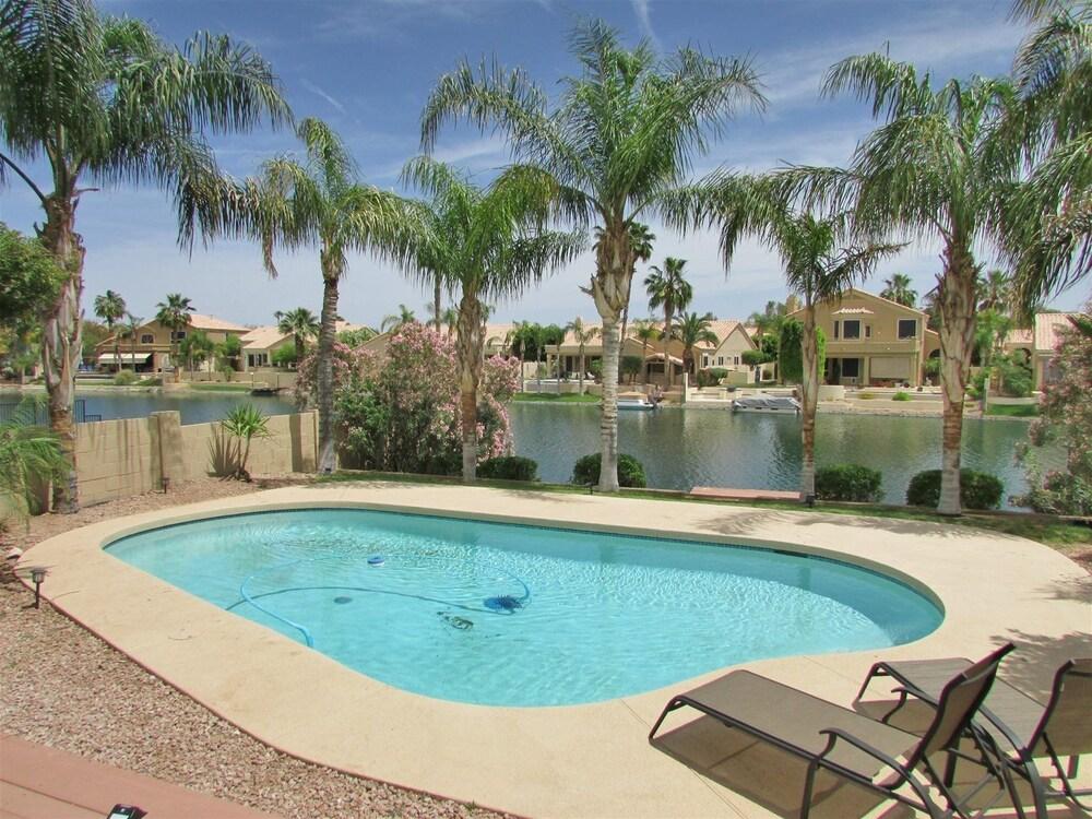4 BR Ocotillo Luxury Home w Pool Lake Views