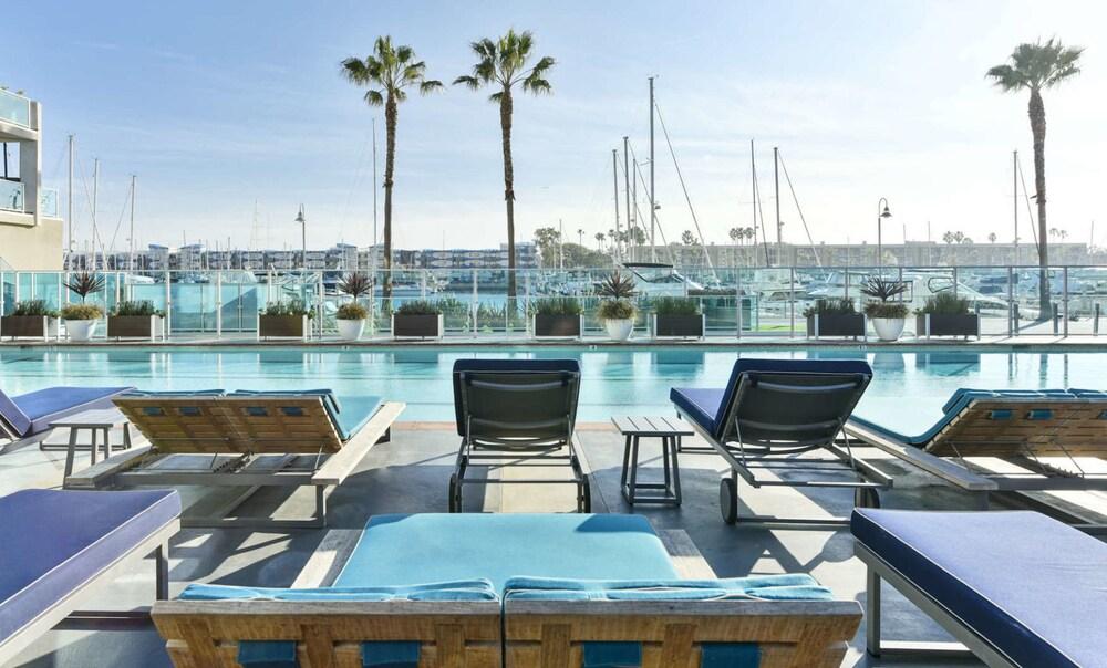 Waterfront Suites At Marina Del Rey