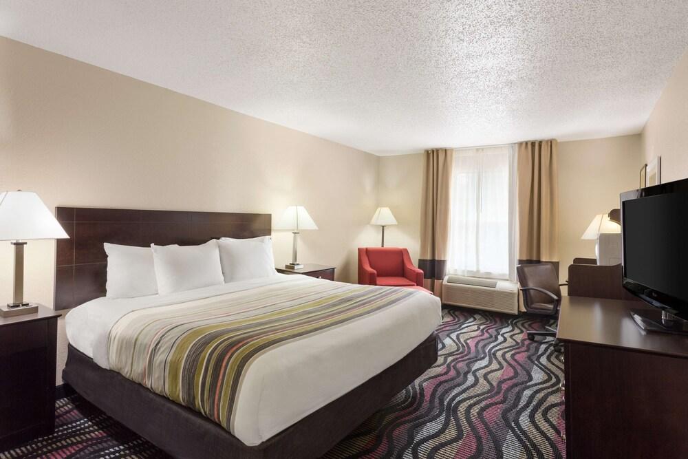 Gallery image of Country Inn & Suites by Radisson Birmingham Hoover AL