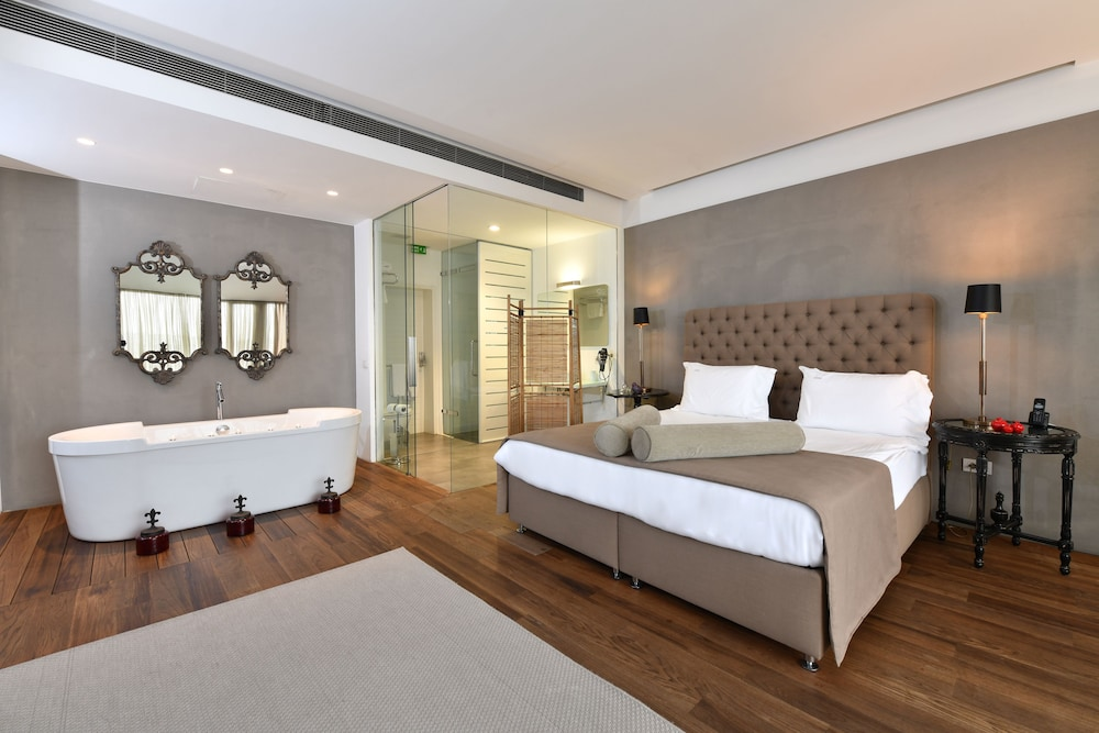 Ansen Hotel and Suites