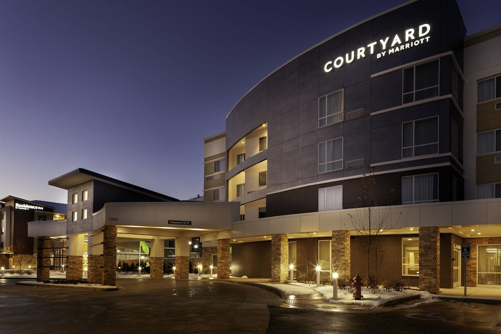 Courtyard By Marriott St. Louis West County