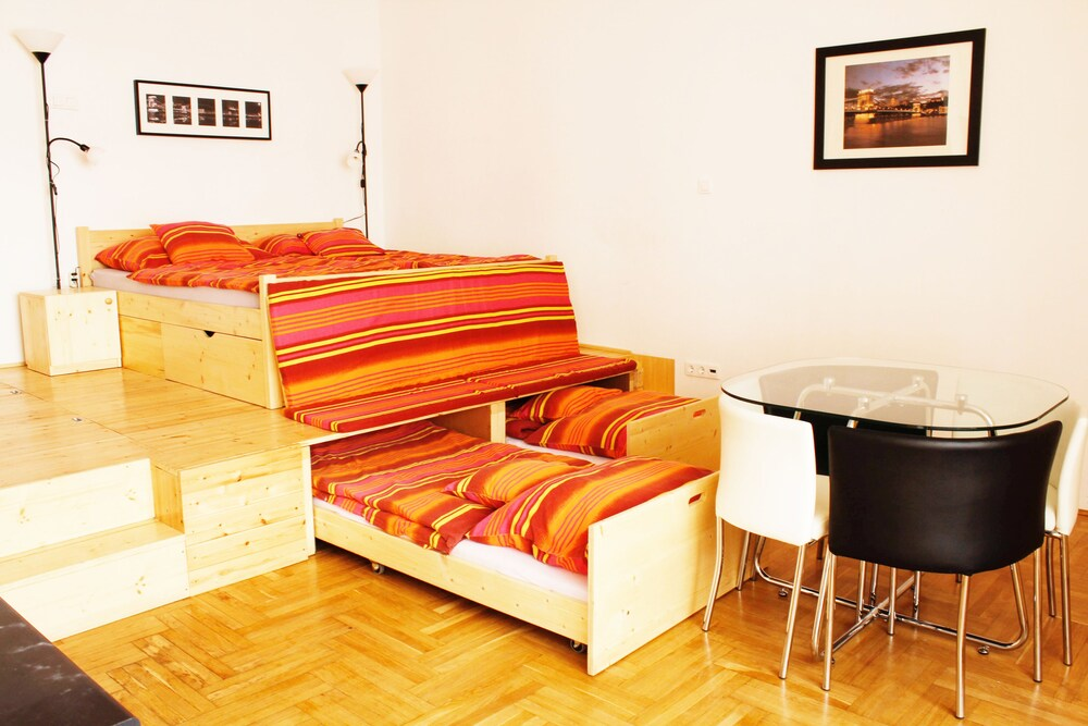 Katona Apartments