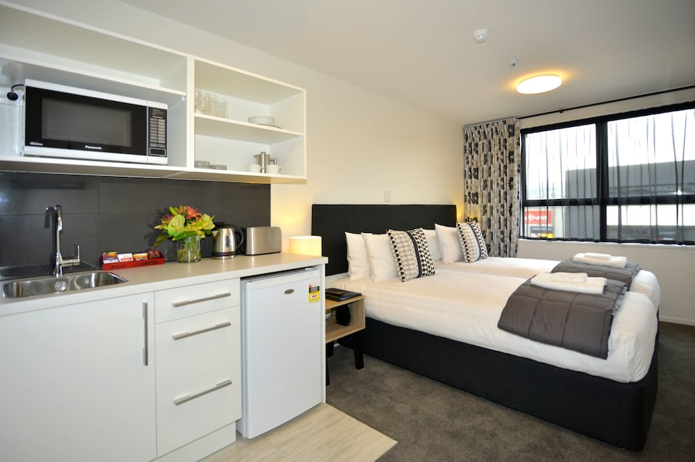 Gallery image of Southwark Hotel & Apartments
