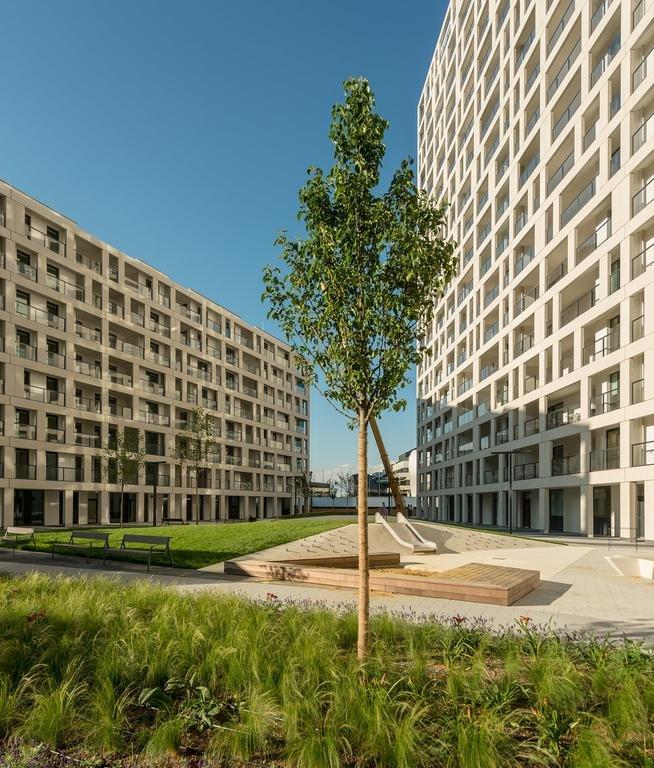 Dc Living Donaucity (دك لیوینگ دوناوسیتی)