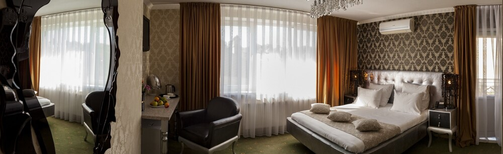 Gallery image of Weekend Boutique Hotel