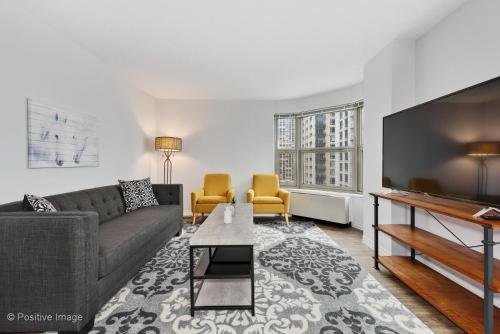New Chic 1br in Gold Coast By Reserve Rentals