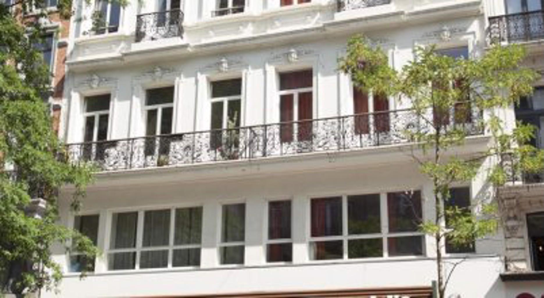 Max Apartments