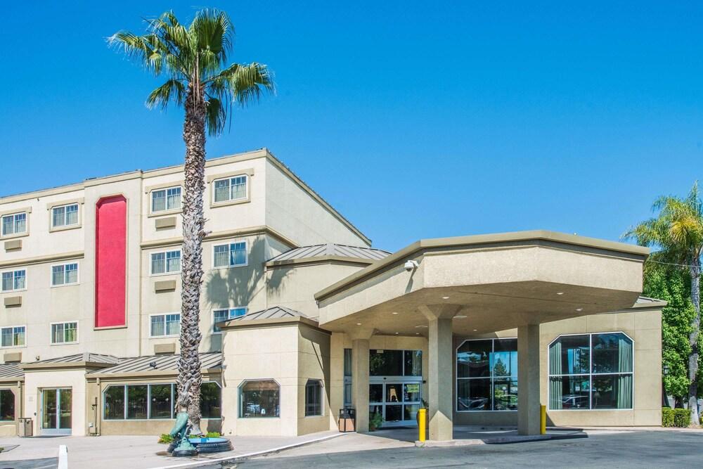 The Harbor Hotel West Sac
