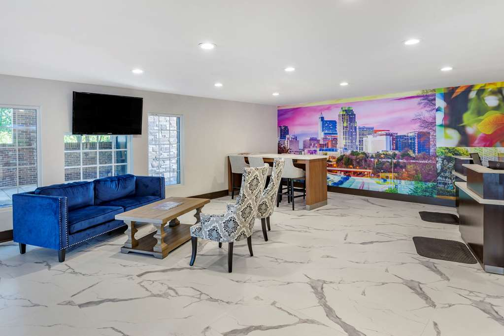 Gallery image of Clarion Pointe