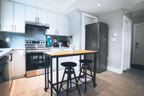 Lovely New Home Close To Transit And Park