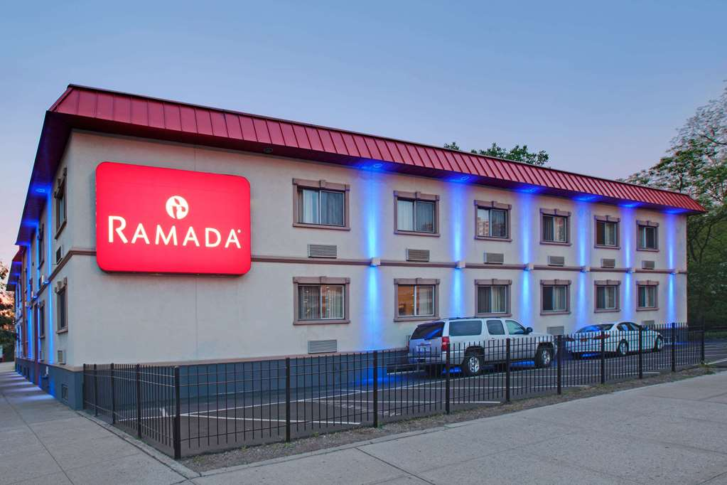 Gallery image of Ramada by Wyndham Bronx