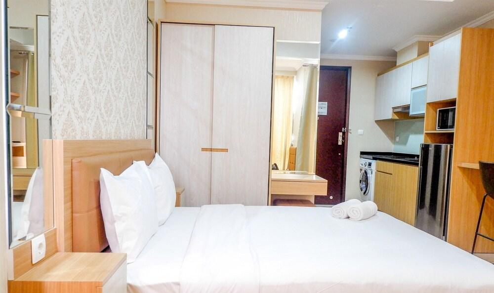 Suite Studio Apartment at Menteng Park