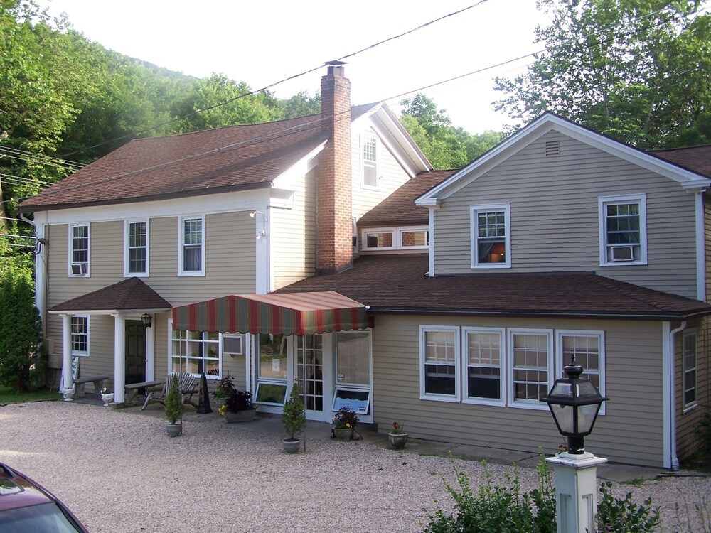 Gallery image of Cornwall Inn and Lodge